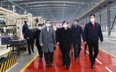"""谭旭光在潍坊调研上下游产业链 提出全力以赴""""满产超产""""是大家的目标"""